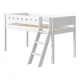 Halfhoog evolutief bed met schuine ladder - White